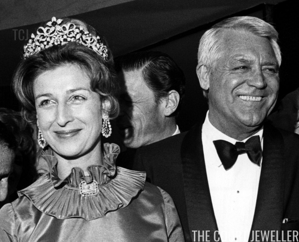 Alexandra wears the sapphire setting of the tiara at a Variety Clubs dinner reception, April 1972