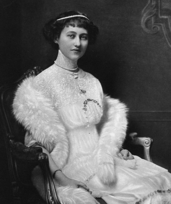 Marie-Adelaide wears pearls in a portrait taken near the beginning of her tenure as Luxembourg's reigning Grand Duchess