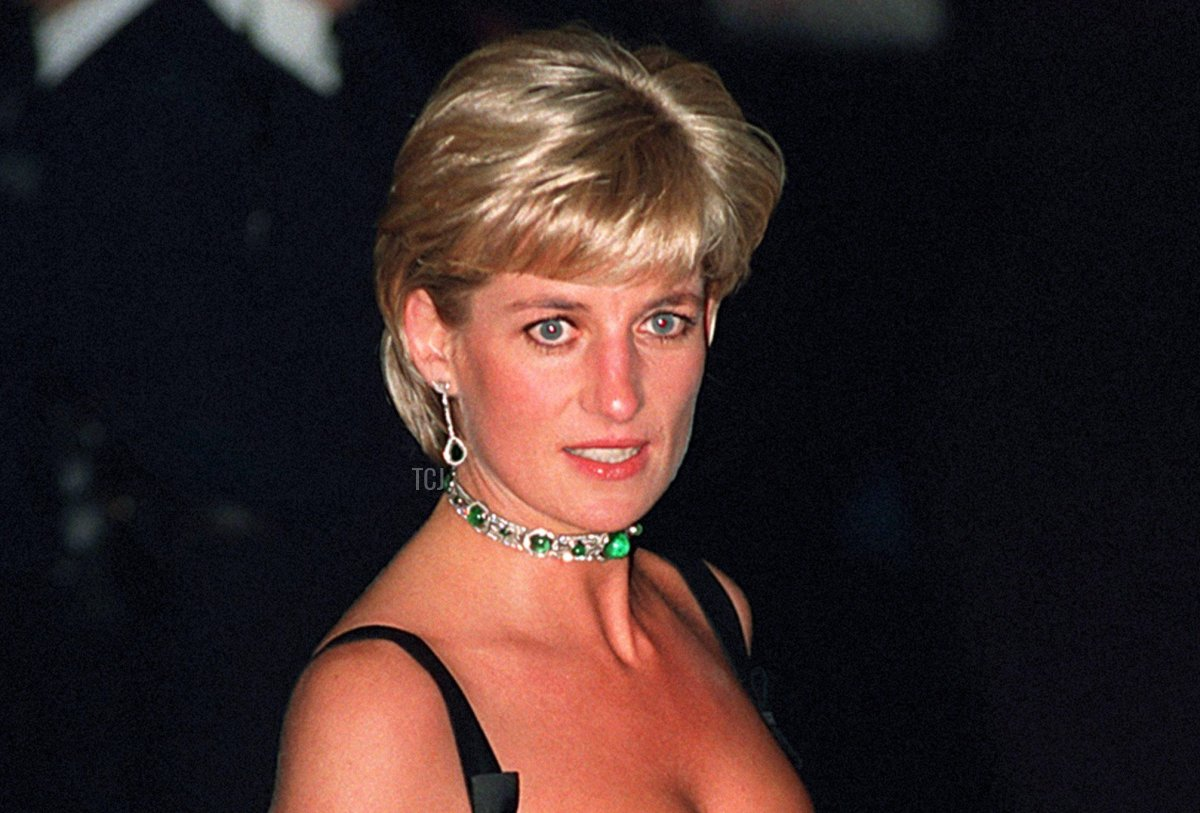 Princess Diana arrives at the Tate Gallery for the Centenary Gala Dinner, 1 Jul 1997