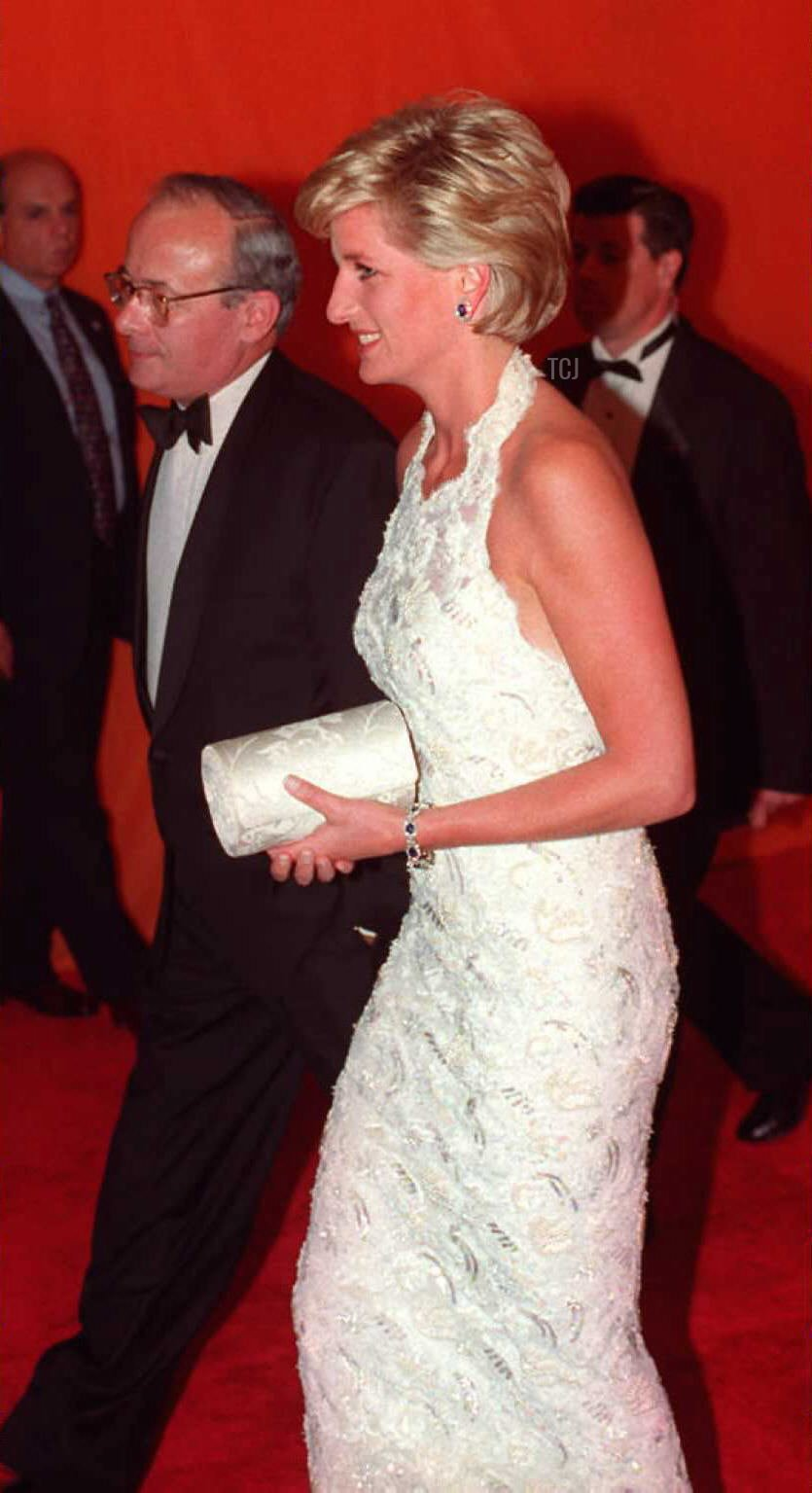 Britain's Princess Diana (R) and British Ambassador to the US David Kerr arrive at the Nina Hyde Gala fund raising benefit for breast cancer research 24 September 1996 in Washinton, DC