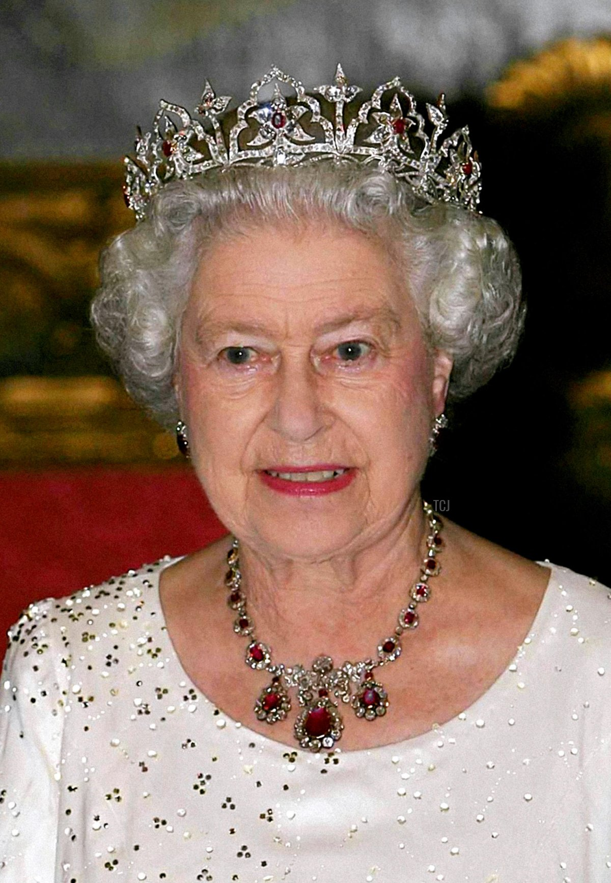 Queen Elizabeth II attends a banquet in Malta, 2005