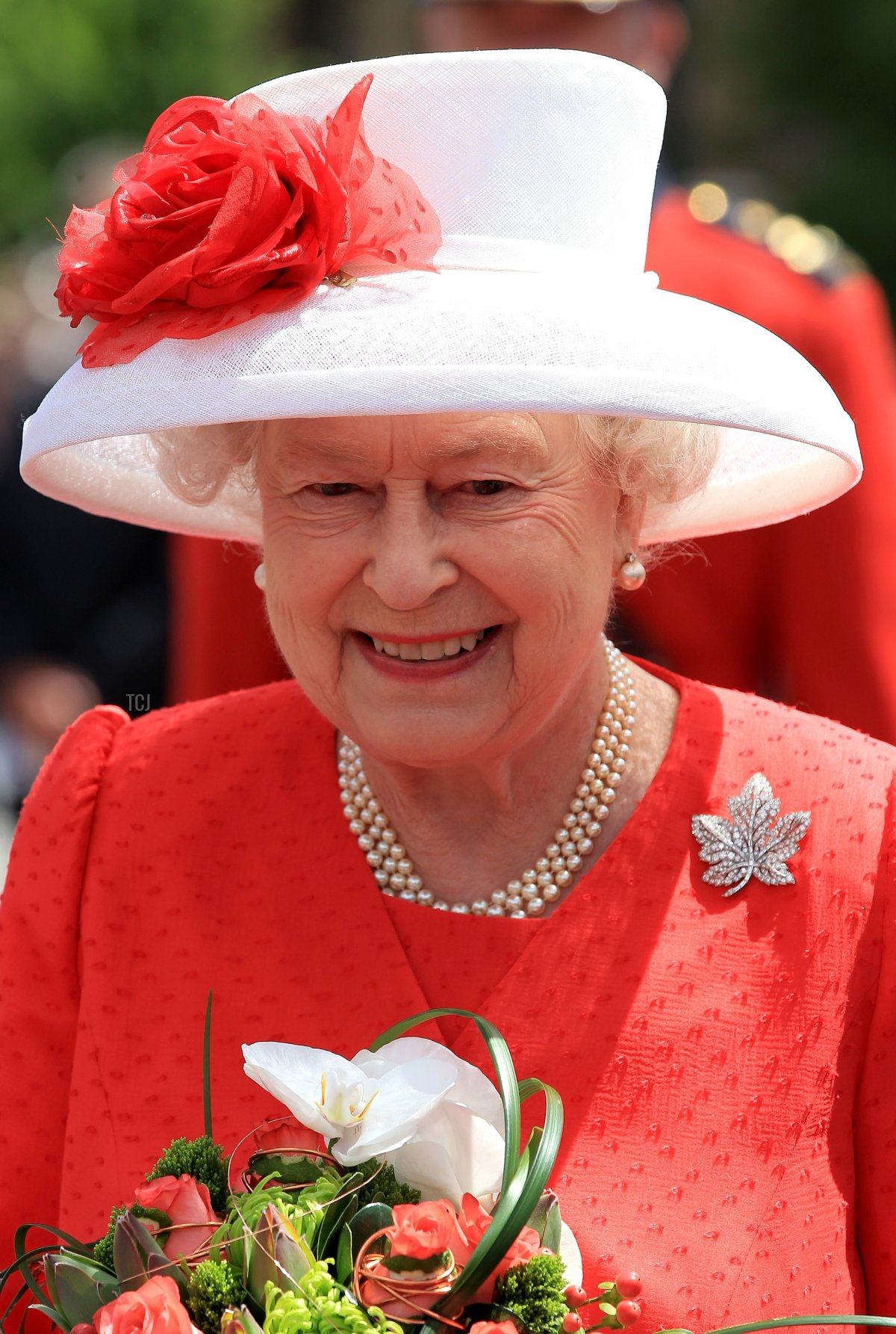 Queen Elizabeth II arrives for Canada Day celebrations on Parliament Hill on July 1, 2010 in Ottawa, Canada