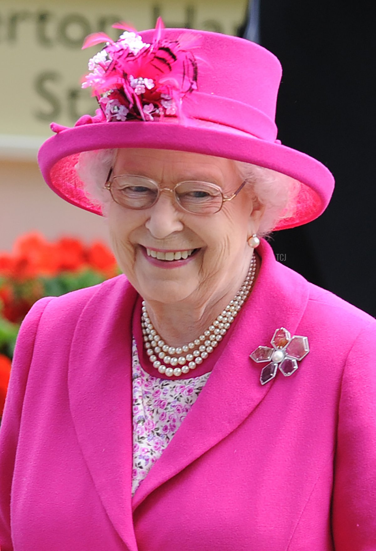 Queen Elizabeth II attends Day 4 of Royal Ascot at Ascot Racecourse on June 20, 2014 in Ascot, England