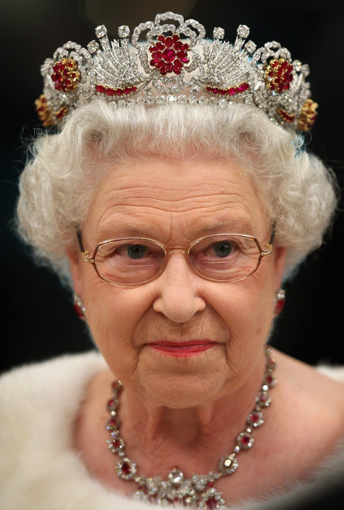 Queen Elizabeth II of the United Kingdom attends a banquet in Slovenia, 2008