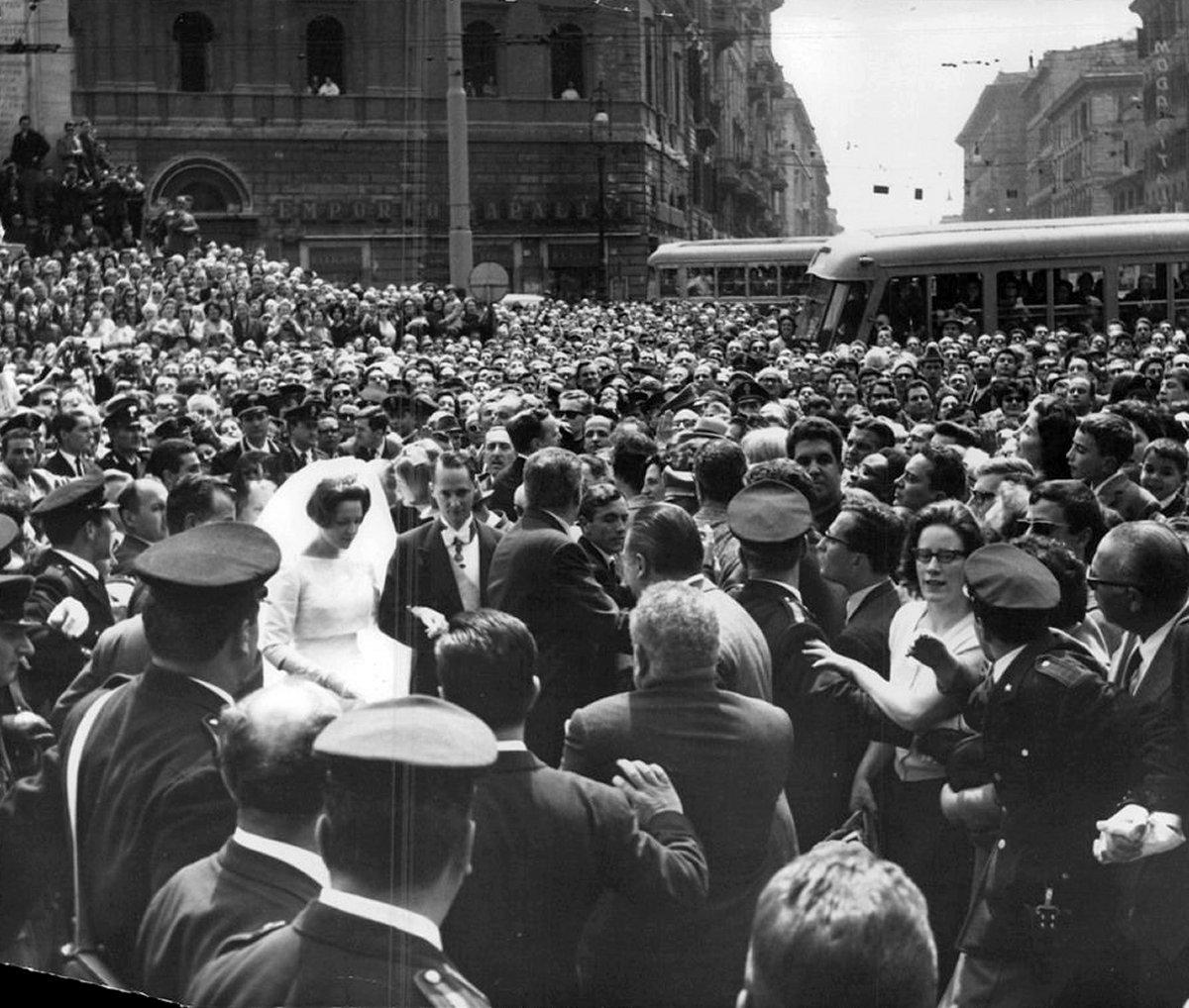 Princess Irene of the Netherlands marries Prince Carlos Hugo of Bourbon-Parma, Apr 1964