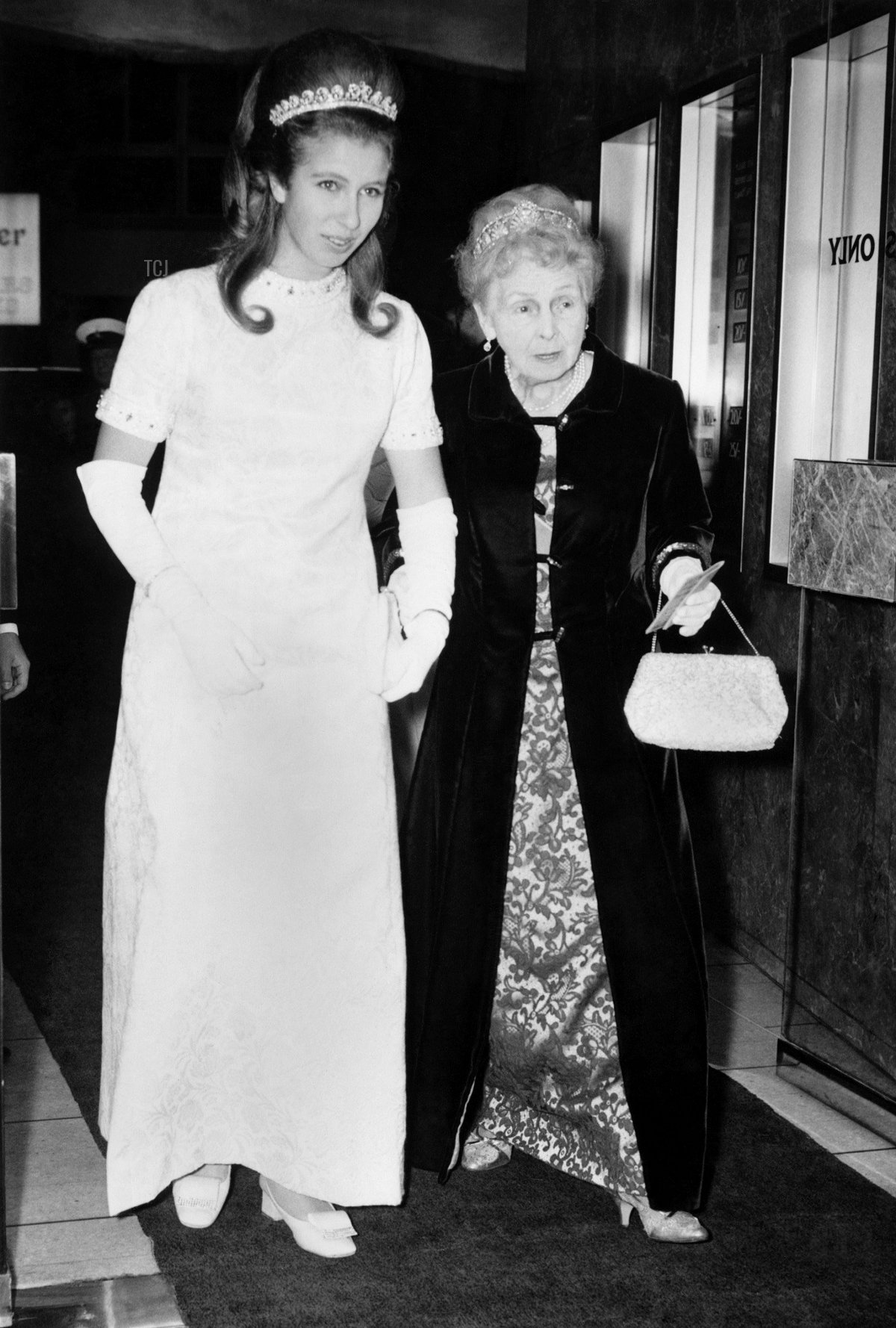 Princess Anne and Princess Alice arriving at the Warner Theatre, November 1969
