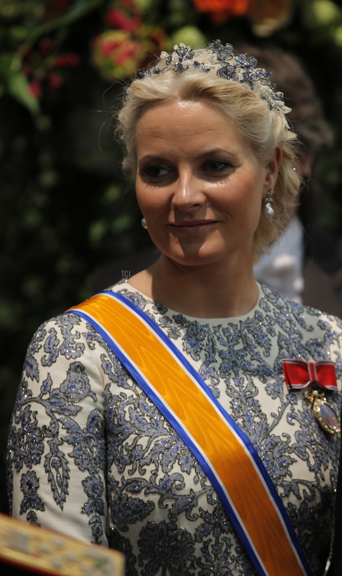Crown Princess Mette-Marit of Norway attends the inauguration of HM King Willem Alexander of the Netherlands and HRH Princess Beatrix of the Netherlands at New Church on April 30, 2013 in Amsterdam
