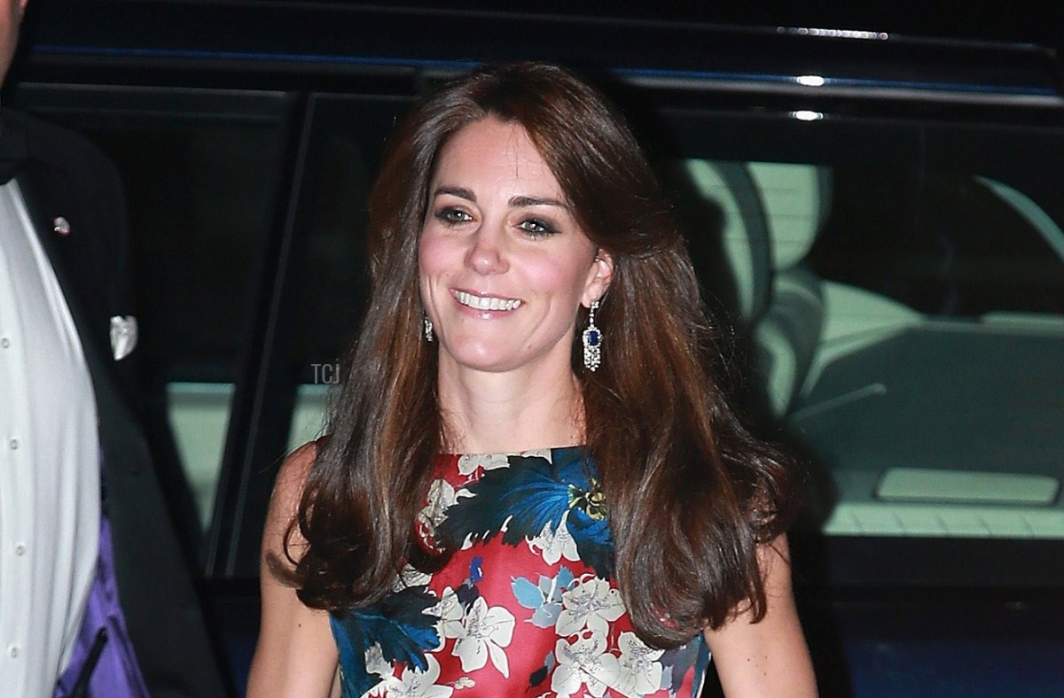 Britain's Catherine, Duchess of Cambridge arrives to attend the 100 Women in Hedge Funds (100WHF) Gala Dinner, in aid of The Art Room, at the Victoria and Albert (V&A) Museum in London on October 27, 2015
