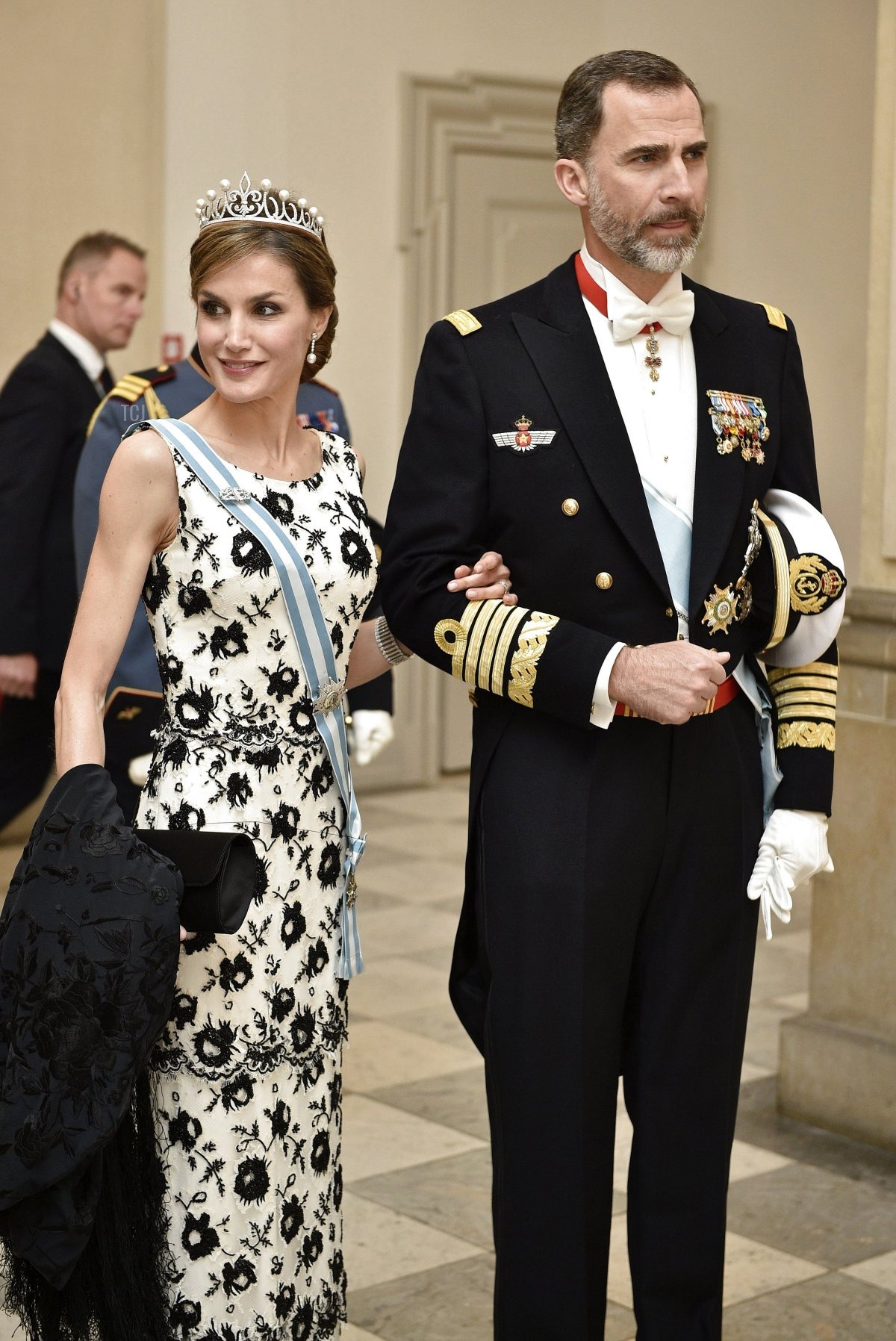 Spains King Felipe and his wife Letizia arrive for Denmark's Queen Margrethe's 75th birthday dinner at Christiansborg Palace on April 15, 2015