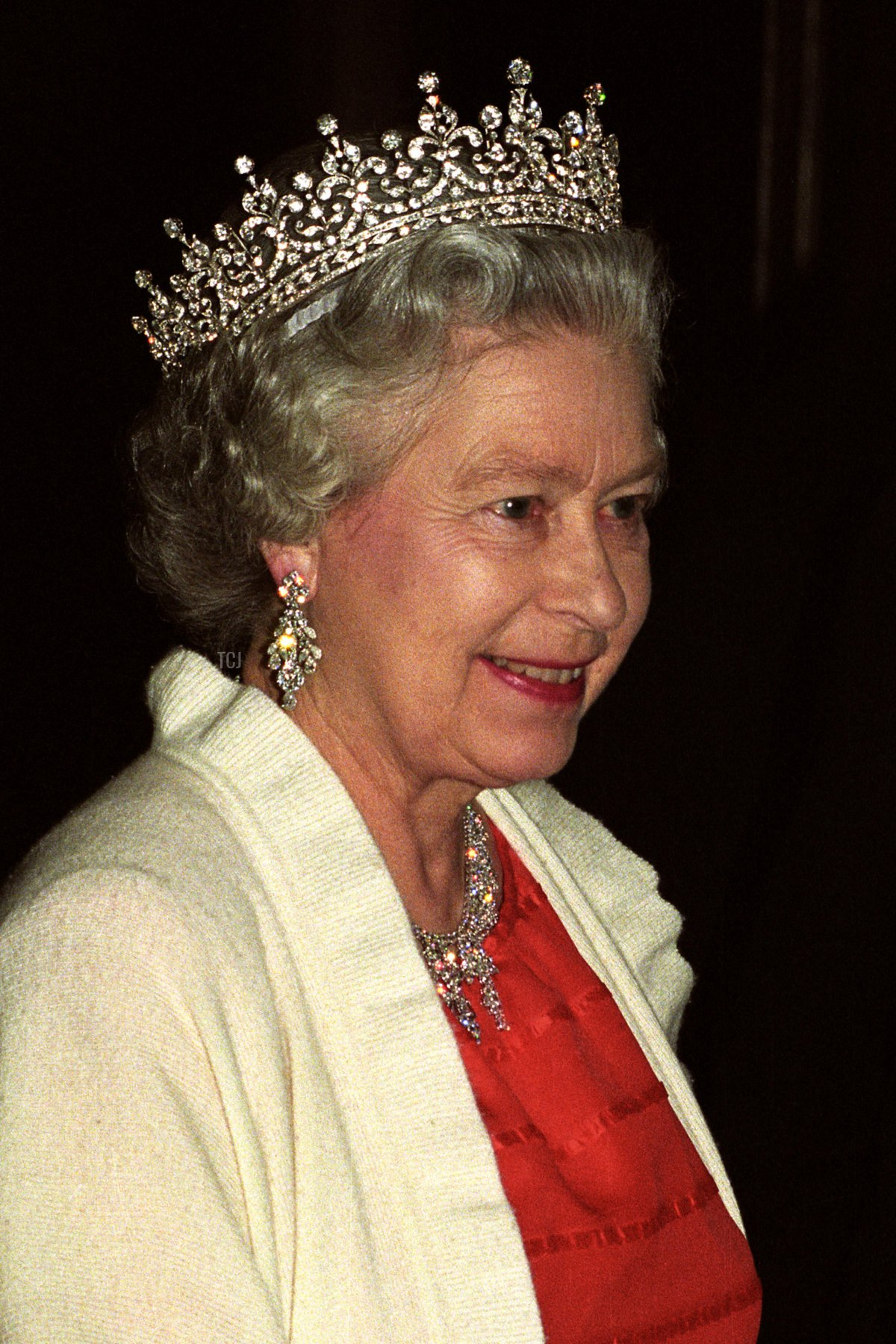 The Queen as she arrives at the National Theatre in Prague for a music concert, on the 2nd day of her stay in the Czech Republic, 28 Mar 1996