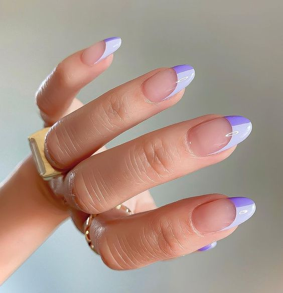 Μωβ νύχια: hot αποχρώσεις για τη μετάβαση στο Φθινόπωρο - The Cover