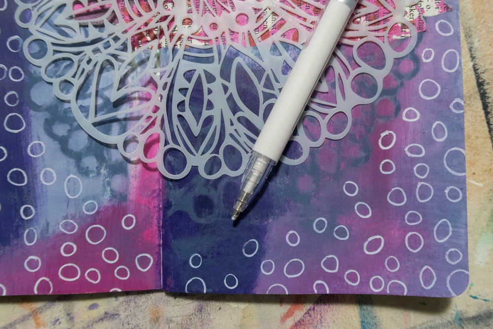 add extra pattern with circles around TCW828 Big Flower stencil