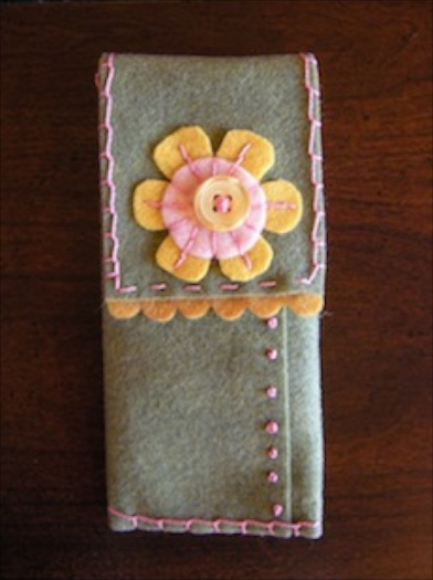 felt_glasses_case