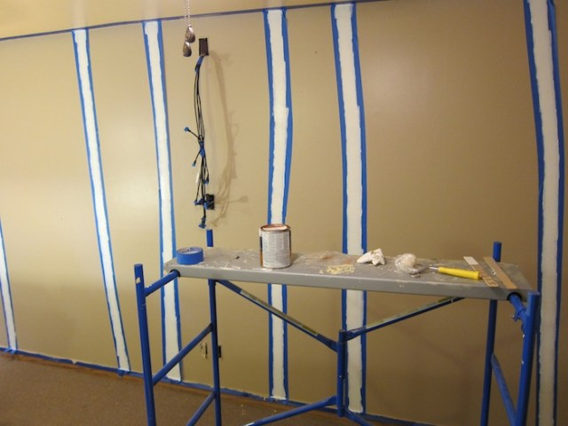 paint_striped_wall2