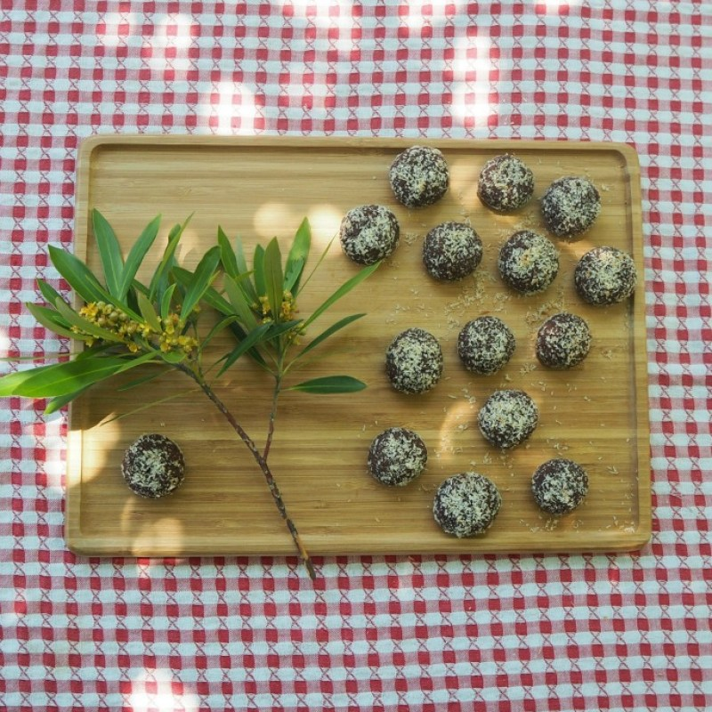 Quick Aussie cookies kids can make by Coloured Buttons | part of the Australia Day for kids blog hop 2016