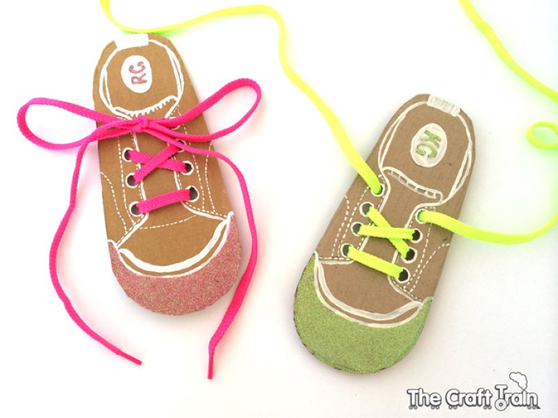 Easy DIY shoe lacing cards for kids