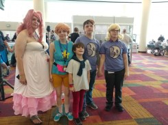This whole family cosplayed as Steven Universe characters!