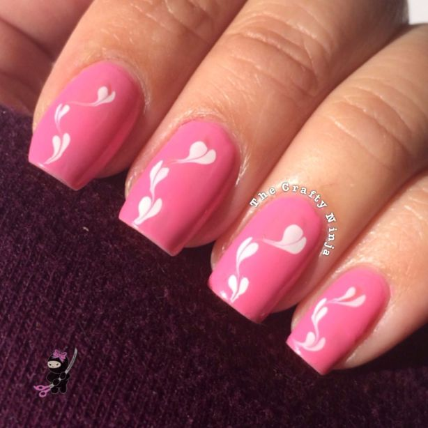 Drag Marble Heart Nails