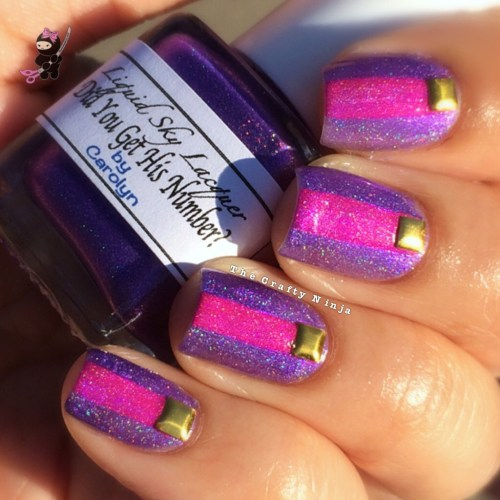 Holographic Nail Stripes