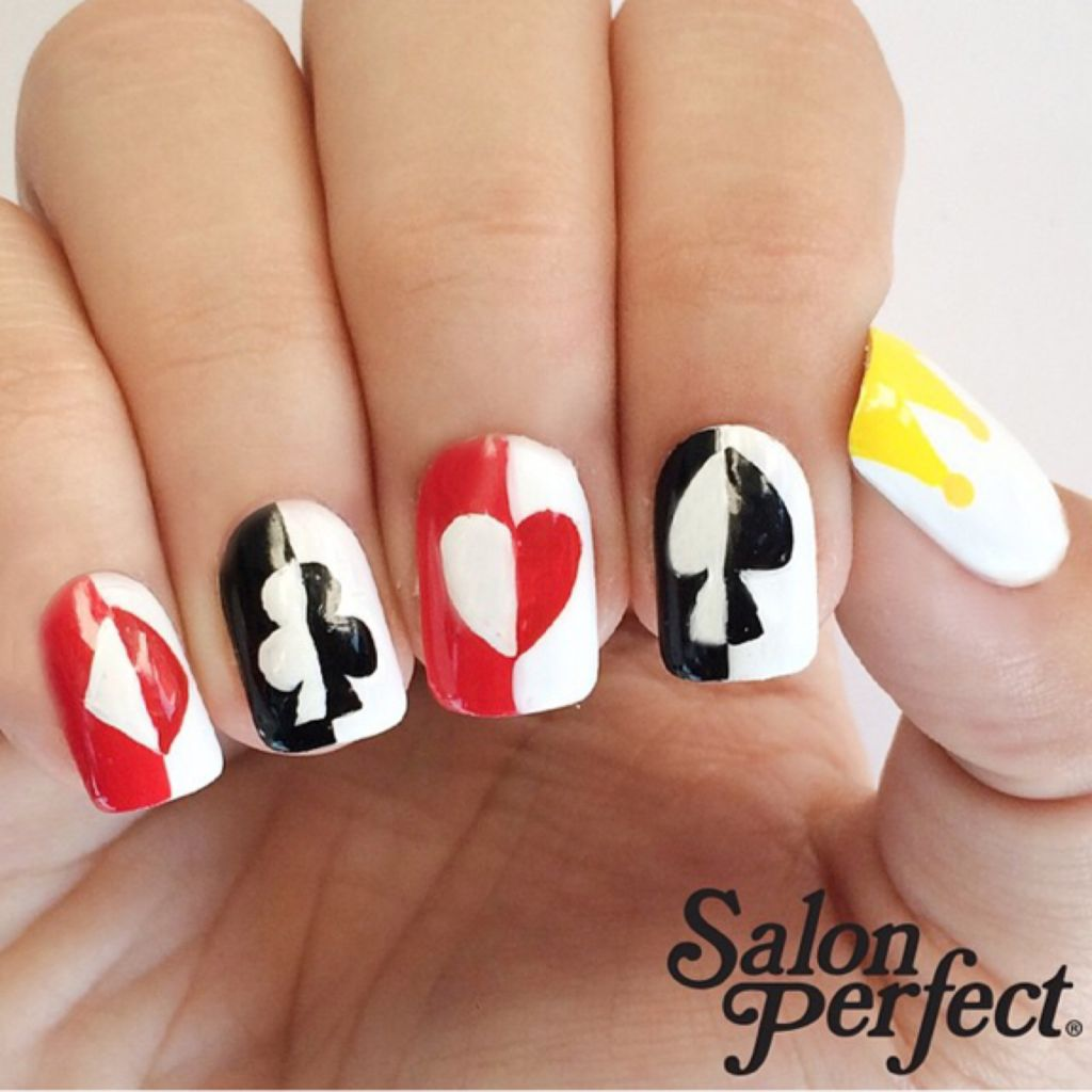 Queen of Hearts Nails | The Crafty Ninja