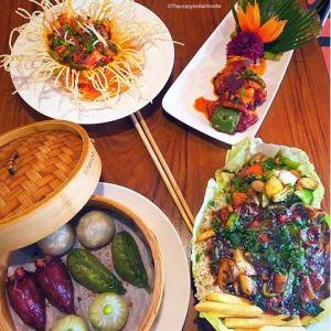 Khow Chow, Bandra, Mumbai serves amazing Pan Asian food.