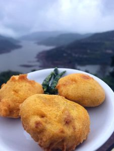 Pakodas with a view in the misty monsoons!