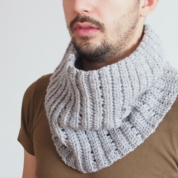 Knit look cowl