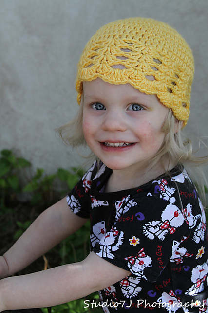 Ann Hat (scalloped beanie) by Danyel Pink2