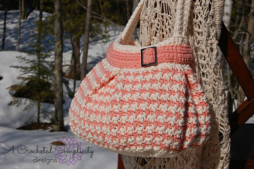 Houndstooth Handbag by Jennifer Pionk