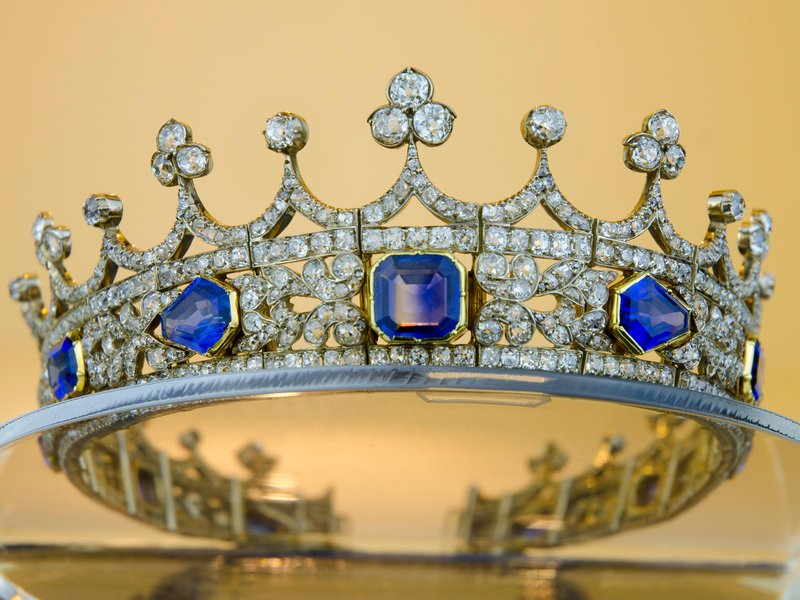 Queen Victoria's coronet will hopefully stay in the UK (Department for Culture, Media and Sport)