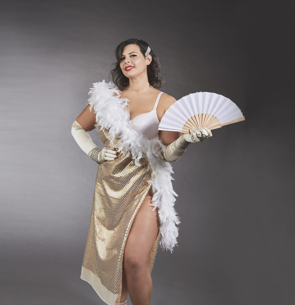 BC Chiara Zanaica interpreta Dita von Teese (FILEminimizer)