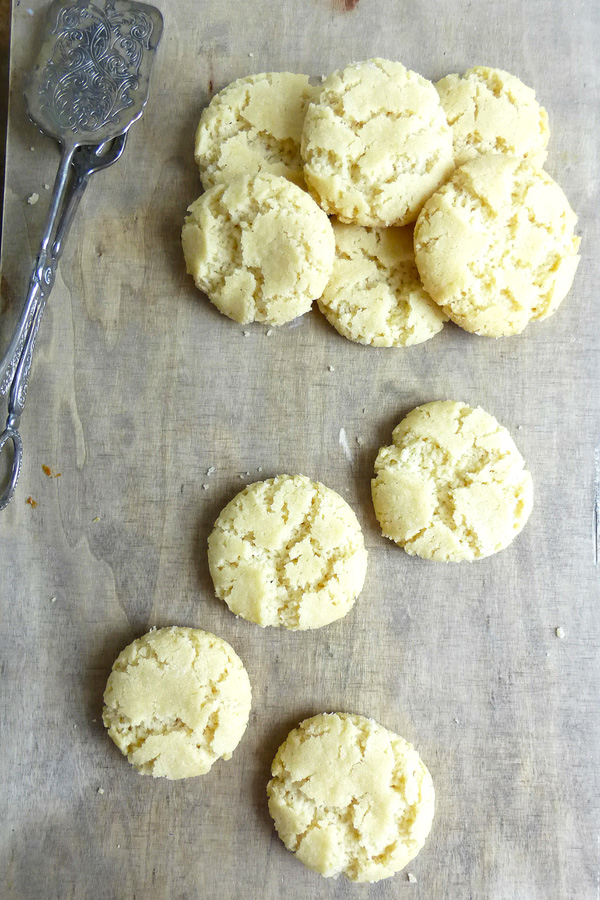Swedish Drömmar (seriously melt-in-the-mouth vanilla cookies)