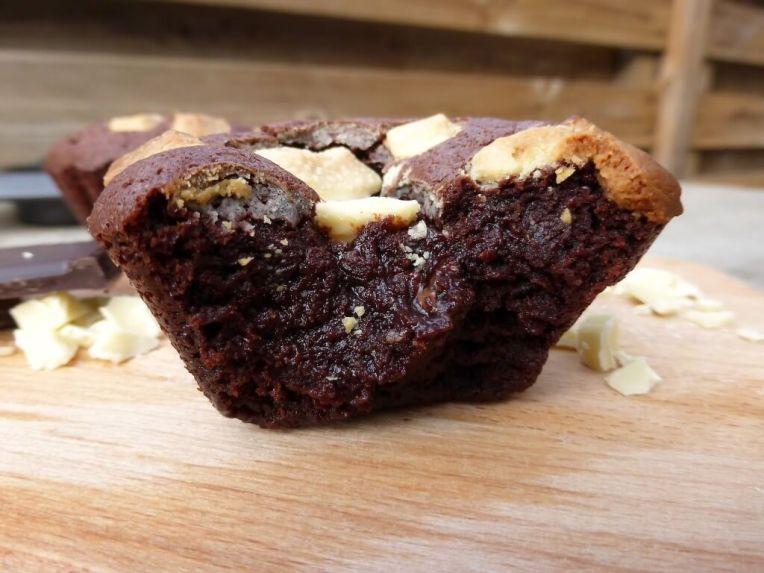 Triple Chocolate Gooey Nutella Kladdkaka Muffins