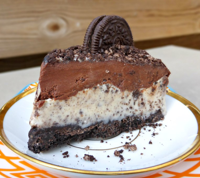 Oreo and White Chocolate Pie with a Dark Chocolate Ganache