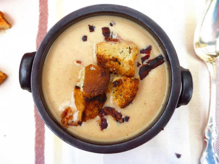 Roasted Cauliflower and Red Pepper Soup with Homemade Croutons
