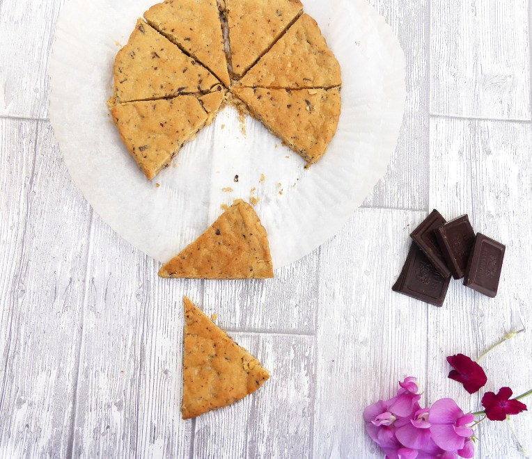 Simple Chocolate Chip and Cashew Shortbread (GF, less butter and sugar)