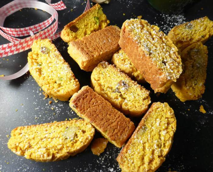 Saffron & Pistachio Swedish Skorpor (Christmas Biscotti)