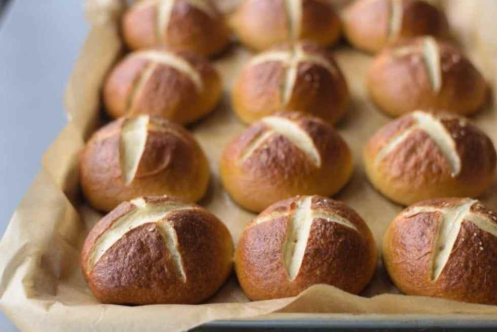 vegan homemade pretzel buns
