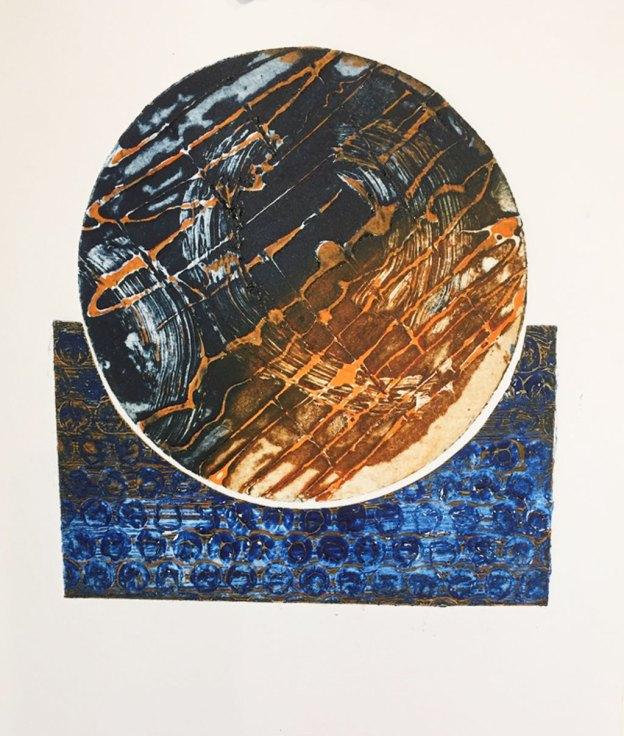 Circular print with a base