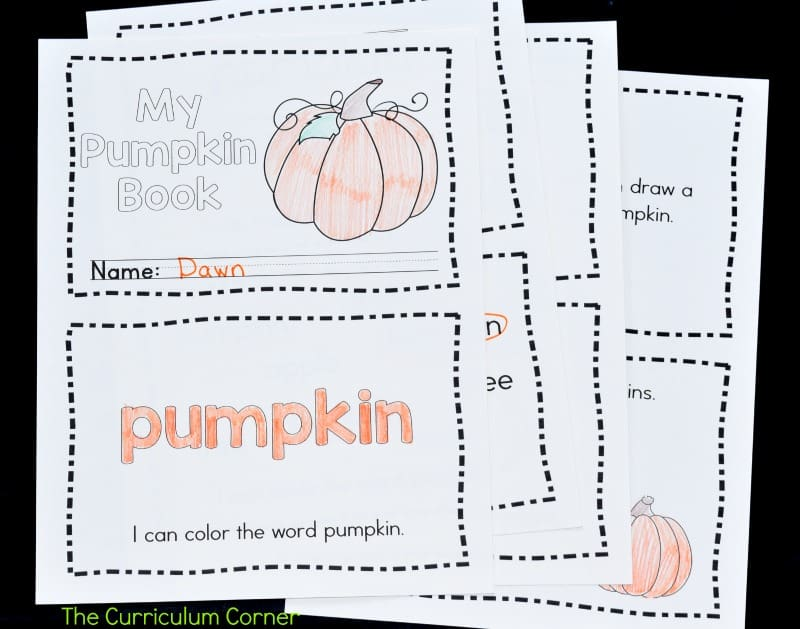 This simple pumpkins emergent reader is perfect for your kinders! It will be a great free addition to your fall curriculum.