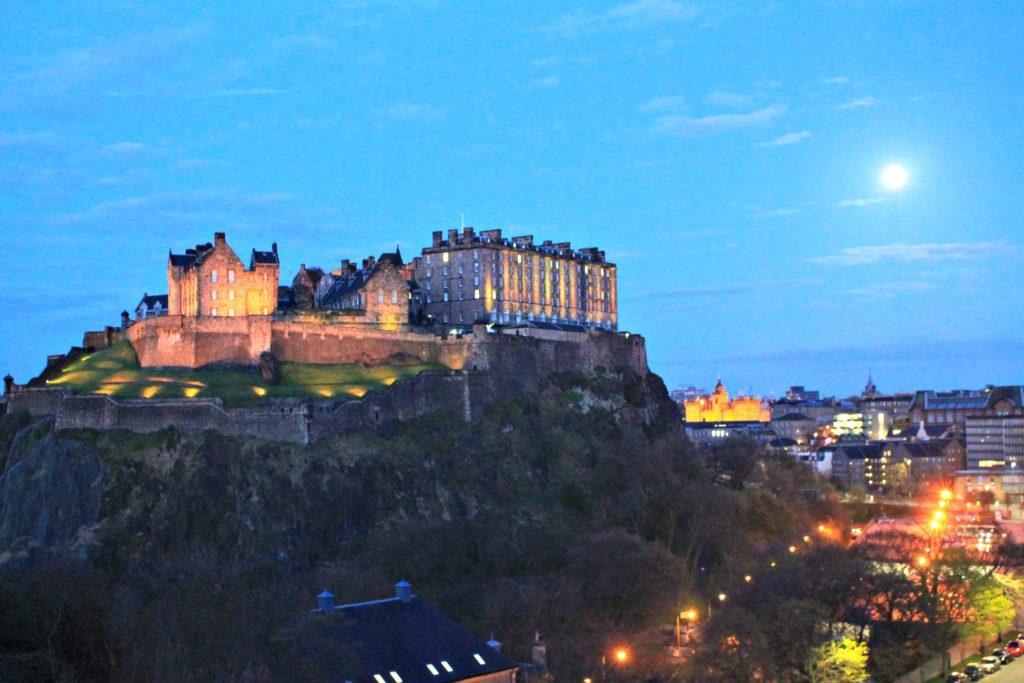 24 Fours in Edinburgh thedailyadventuresofme.com