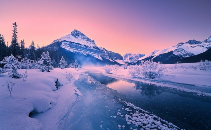 what is the best time to visit banff national park
