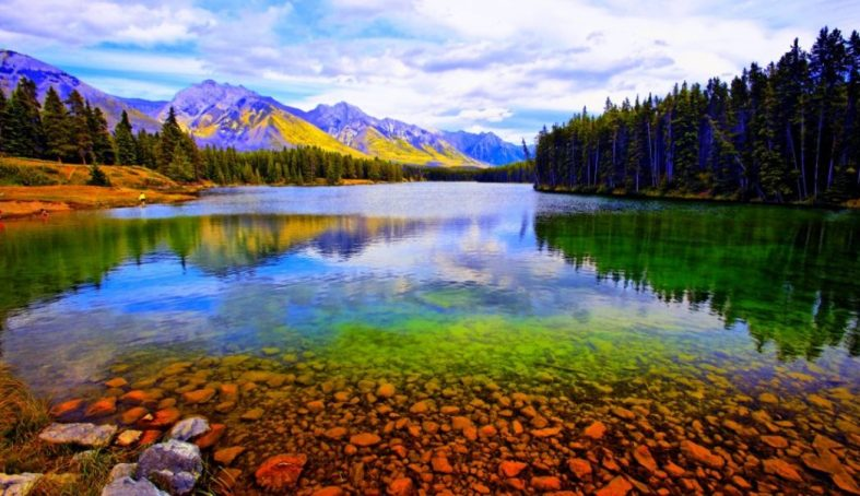 what is the best time of year to visit banff national park