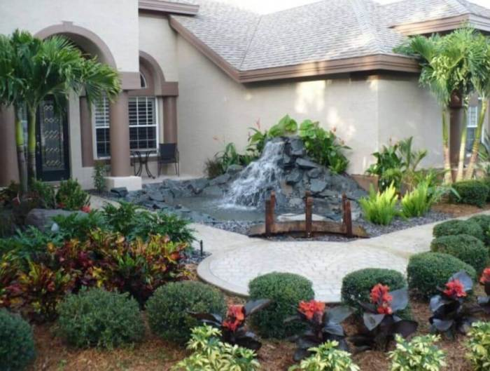 Showy Subtropical Water Feature - beautiful backyard