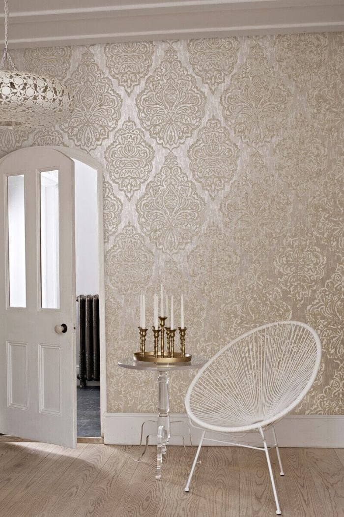 Gold-and-white- glitter wallpaper