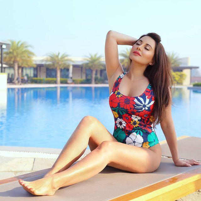 minissha-lamba-bikini