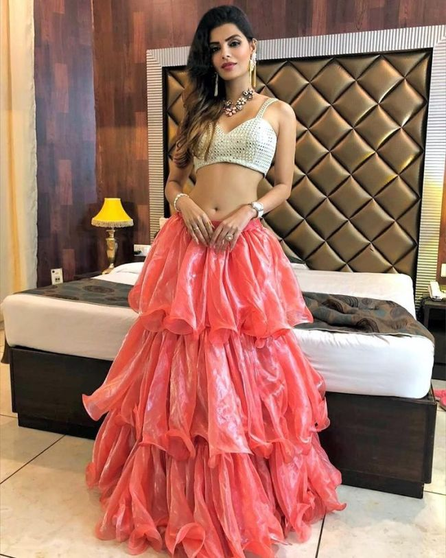 sonali raut half blouse bed home