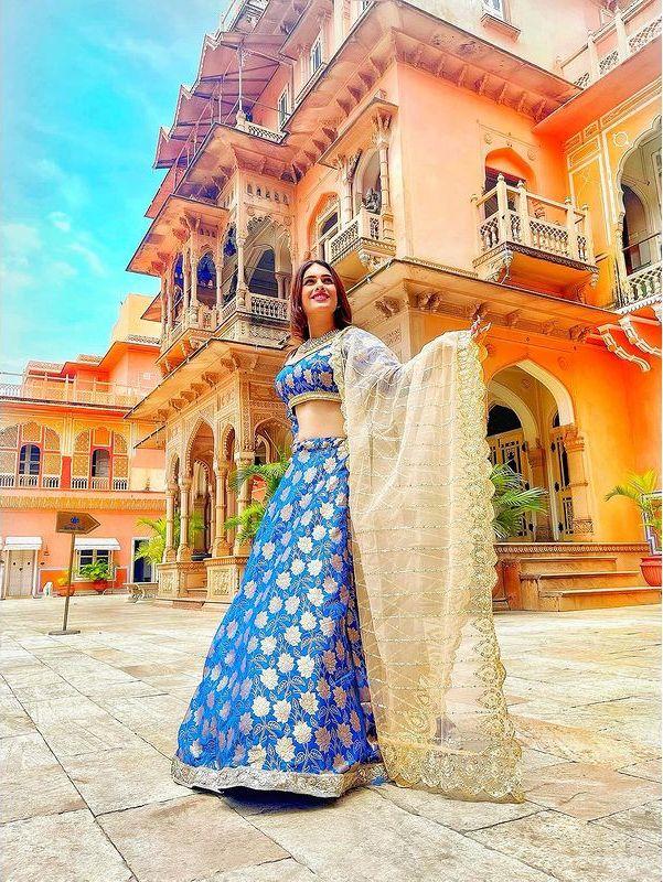 Neha Malik Behind The Scene Faraar