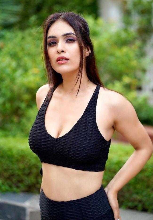 Neha-Malik-Gym-Wear
