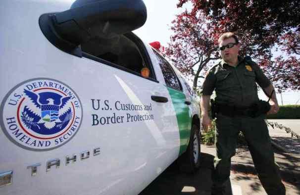 border-patrol-agent_custom-511bb152f3c3a837af4aa3dfa66b99892a83241d-s6-c10